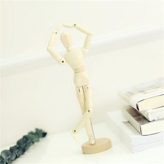 mô hình người gỗ trang trí