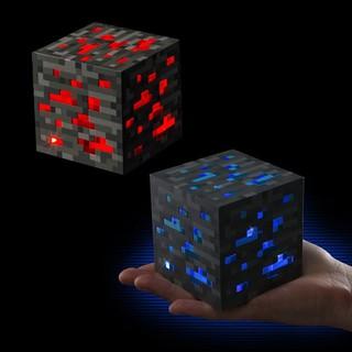 Đèn block đá đỏ và kim cương Minecraft phát sáng 3 mức độ
