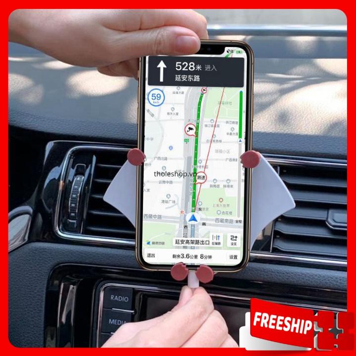 Giá đỡ điện thoại  1 ĐỔI 1    Giá đỡ điện thoại cho xe hơi hình batmen tiện lợi 8835