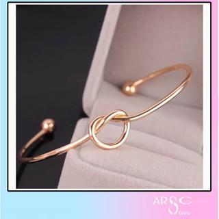 Vòng tay thời trang V01 ( mang kèm đồng hồ siêu xinh ) thumbnail