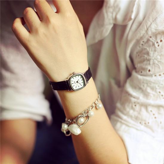 Đồng hồ nữ dây da tổng hợp mặt chữ nhật DH358 (Dây Đen Mặt Trắng) - 3159165 , 372929272 , 322_372929272 , 100000 , Dong-ho-nu-day-da-tong-hop-mat-chu-nhat-DH358-Day-Den-Mat-Trang-322_372929272 , shopee.vn , Đồng hồ nữ dây da tổng hợp mặt chữ nhật DH358 (Dây Đen Mặt Trắng)