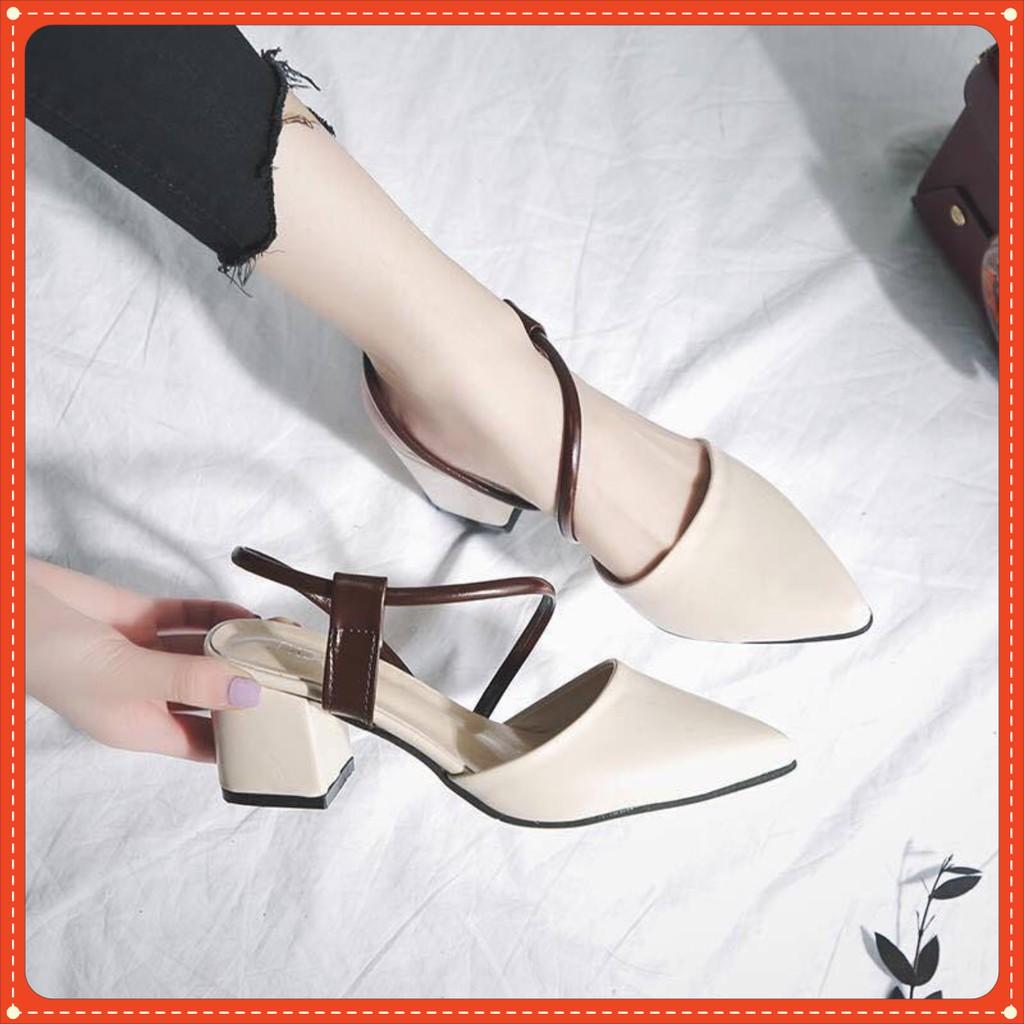 Giày Cao Gót Mã C6 Mũi Nhọn Quai Kiểu Gót Vuông Cao 5cm Màu Kem và Đen