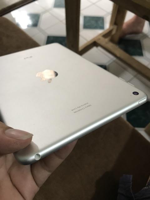 iPad Mini 4 wifi 128G màu trắng