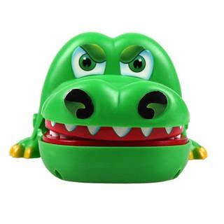 [Siêu cute] – Khám răng cá sấu size lớn