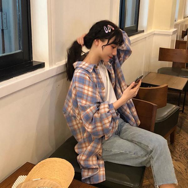 เสื้อเชิ้ตลายสก๊อตหญิงย้อนยุคฮ่องกงฤดูใบไม้ร่วงรสชาติใหม่หลวม
