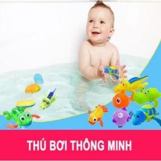 Đồ chơi con vật lên dây cót biết bơi cho bé