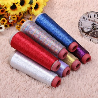 Cuộn len đan chéo nhiều màu