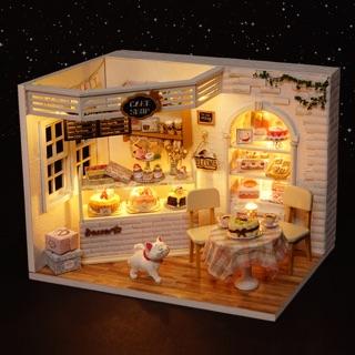 Mô hình nhà gỗ thu nhỏ – Tiệm bánh Diary Cakes [TẶNG KÈM MICA]