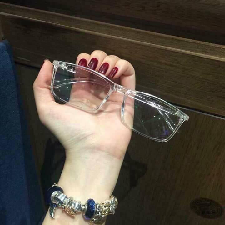 Mắt kính gọng nhựa trong suốt siêu xinh