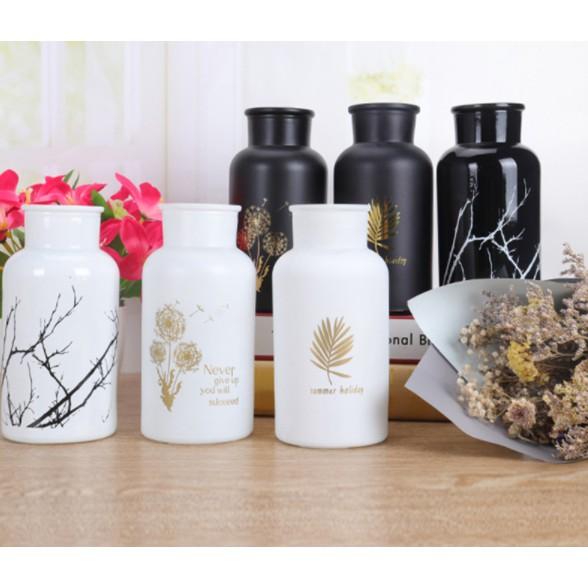Lọ hoa thủy tinh trang trí nhà cửa phong cách trang nhã