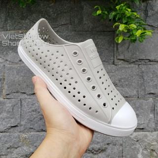 Giày nhựa siêu nhẹ nam nữ - Chất liệu nhựa xốp siêu nhẹ, không thấm nước - Màu ghi nhạt viền trắng thumbnail
