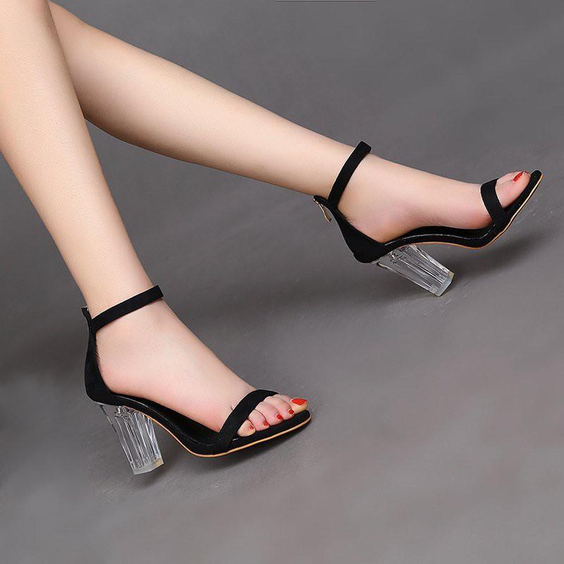 Giày cao gót đế trong