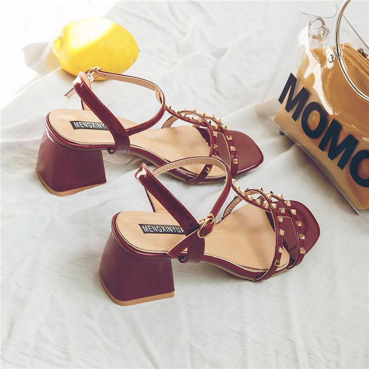 Roman sandals women's wild rivets open toe with late evening shoes with heels