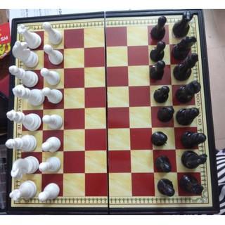 Bộ cờ vua bằng nhựa đế nam châm