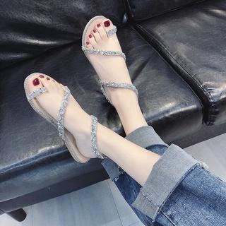 Sandal thời trang 2020 dành cho nữ sinh