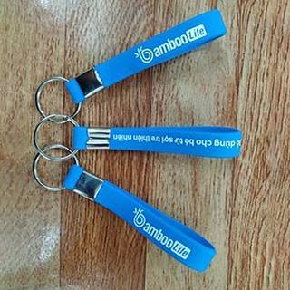 ( QUÀ TẶNG) Móc khóa Bamboo Life, thương hiệu đồ dùng ăn dặm sợi tre an toàn cho bé, móc khóa nhỏ gọn tiện dụng thumbnail