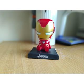 Iron Man lắc đầu