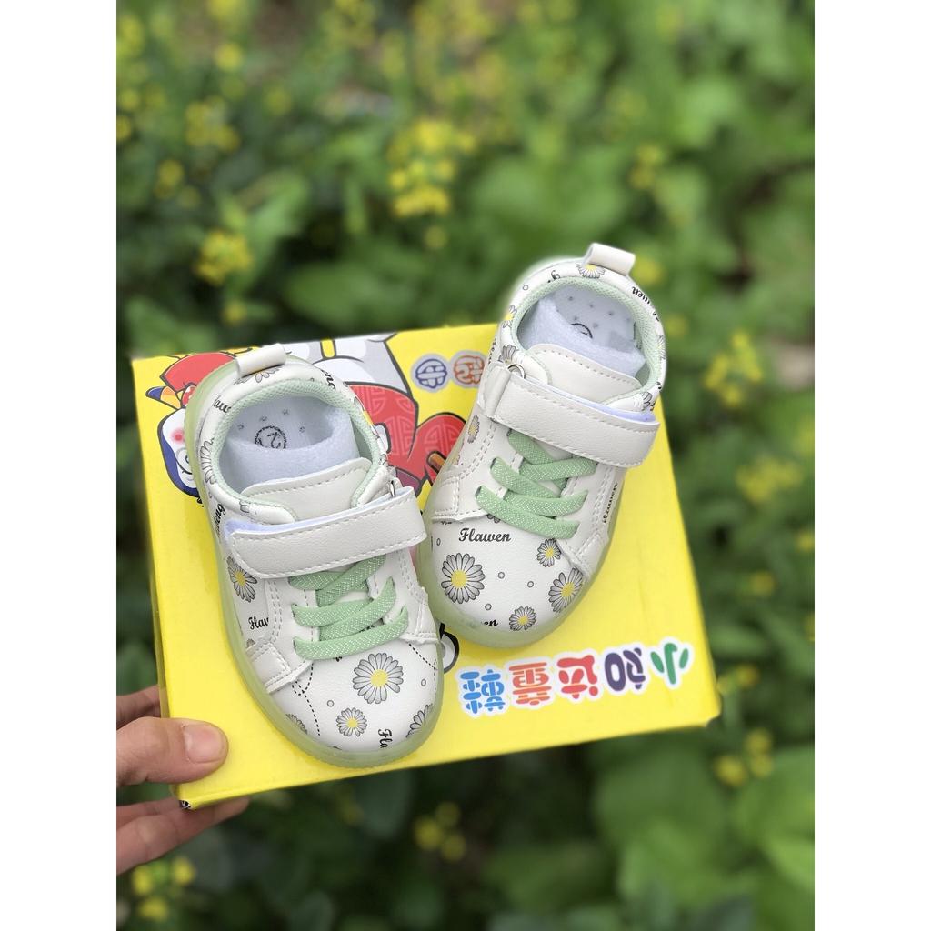 giày bé gái Giầy thể thao HOA CÚC có đèn LED cho bé trai và bé gái từ 1 tuổi mã mới hoacuc8806 ẢNH THẬTgiày bé gái Giầy