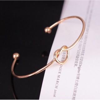HDF Vòng tay thời trang V01 ( mang kèm đồng hồ siêu xinh ) 25 YC6