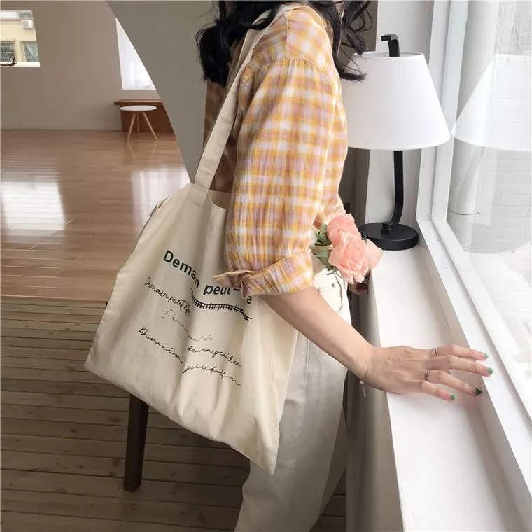 [Freeship từ 50k]MODISTORE- Túi Vải Vinatge Kem Nâu Chữ Pháp Phong Cách Hàn Quốc