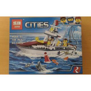 Bộ xếp hình Lego city 02028 fishing boat, 159 chi tiết.