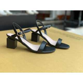 Giày sandal gót trụ 5cm