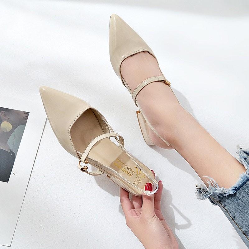 【จัดส่งฟรี】กสดชี้รองเท้าส้นหนาหนังสิทธิบัตรกลับรองเท้าเดียวที่ว่างเปล่ารองเท้าส้น