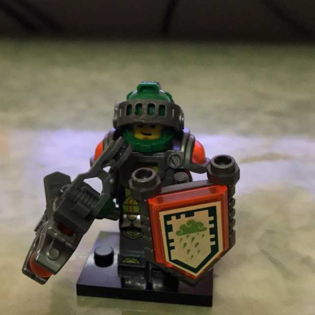 Minifigure nhân vật Aaron Nexo Knight