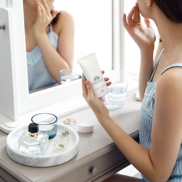 Hình ảnh [HCM]Gel chống nắng dưỡng trắng Anessa Whitening UV Sunscreen Gel 90g_14719-5