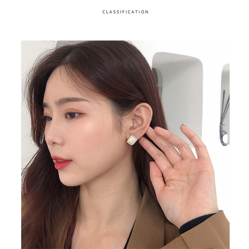 Bông tai đính ngọc trai đơn giản và nhỏ gọn Bông tai giọt dầu cho phụ nữ Bông tai bạc retro