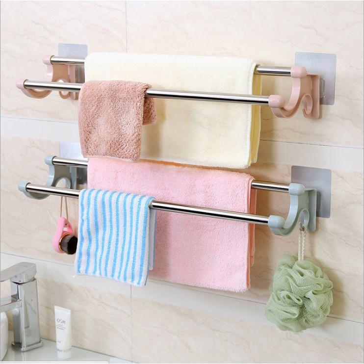 Giá treo khăn tắm, khăn mặt dán tường bằng inox có móc treo.