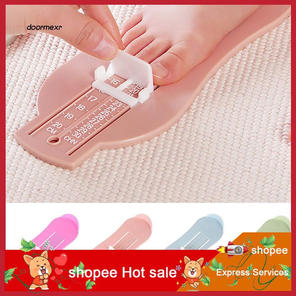 Thước đo kích cỡ bàn chân cho bé