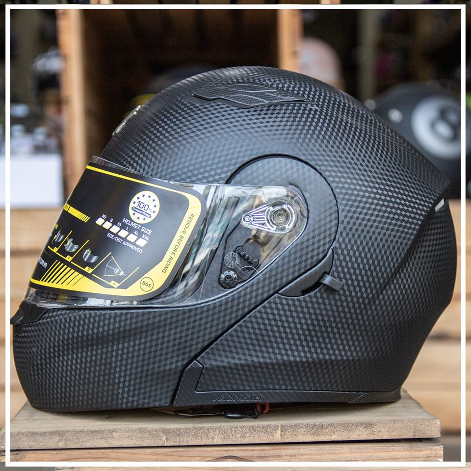 Mũ bảo hiểm lật hàm - 2 kính Royal M179 Vân Carbon - Bảo hành 12 tháng