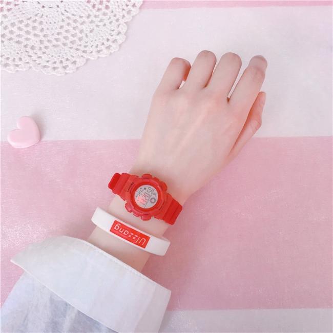 [Mã FAMAYFA2 giảm 10K đơn 50K] Đồng hồ điện tử nữ DH121 Size nhỏ 27mm dây nhựa chống nước Miucho