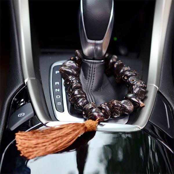 Tràng hạt bồ đề treo xe ô tô