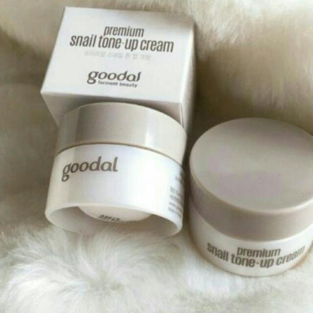 Kem ốc sên dưỡng trắng da Goodal Premium Snail Tone Up Cream - zise mini 10ml - 2940902 , 1167187695 , 322_1167187695 , 80000 , Kem-oc-sen-duong-trang-da-Goodal-Premium-Snail-Tone-Up-Cream-zise-mini-10ml-322_1167187695 , shopee.vn , Kem ốc sên dưỡng trắng da Goodal Premium Snail Tone Up Cream - zise mini 10ml