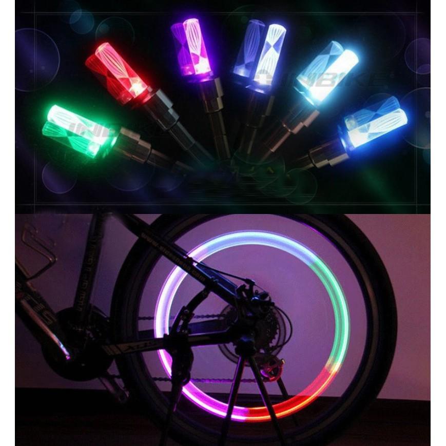 Bộ 2 Đèn Led 7 màu gắn van xe đạp, xe máy, ôtô