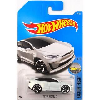 Xe mô hình Hot Wheels Tesla Model X DTX01