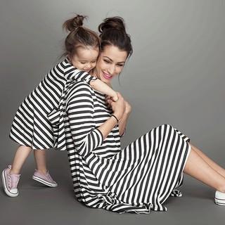 Đầm suông tay dài họa tiết sọc ngang dành cho mẹ và bé