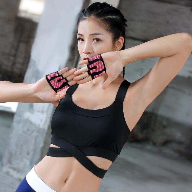 Găng tay tập gym & yoga nửa bàn chống trượt chống chai tay - 15455249 , 1203623950 , 322_1203623950 , 100000 , Gang-tay-tap-gym-yoga-nua-ban-chong-truot-chong-chai-tay-322_1203623950 , shopee.vn , Găng tay tập gym & yoga nửa bàn chống trượt chống chai tay