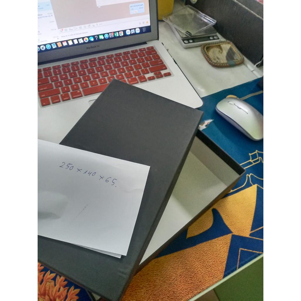 25x14x6,5 cm Hộp đựng quà vuông,chữ nhật nắp đậy có dán kiếng.