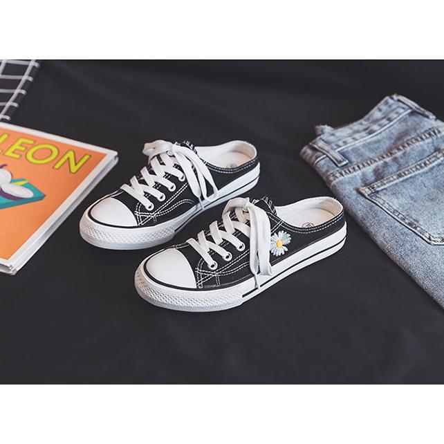 Giày Thể Thao Vải Canvas Họa Tiết Hoa Cúc Nhỏ Vẽ Tay Kiểu Hàn Quốc Mới 2020 Cho Nữ Sinh