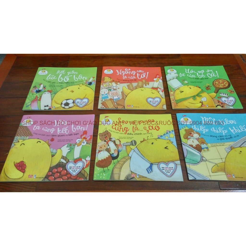 Sách truyện hay cho trẻ em: Gà con lon ton (Set 06 cuốn giúp trẻ biết sống chan hòa cùng bạn bè)