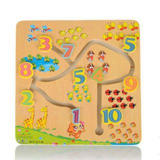 Đồ chơi mê cung số học tặng kèm thước đo chiều cao, thị lực cho bé