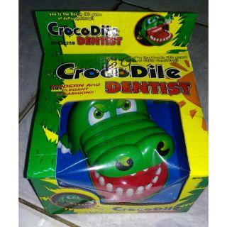Khám răng cá sấu.