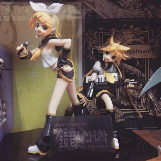 Bộ 2 mô hình Kagamine Rin và Kagamine Len – Vocaloid