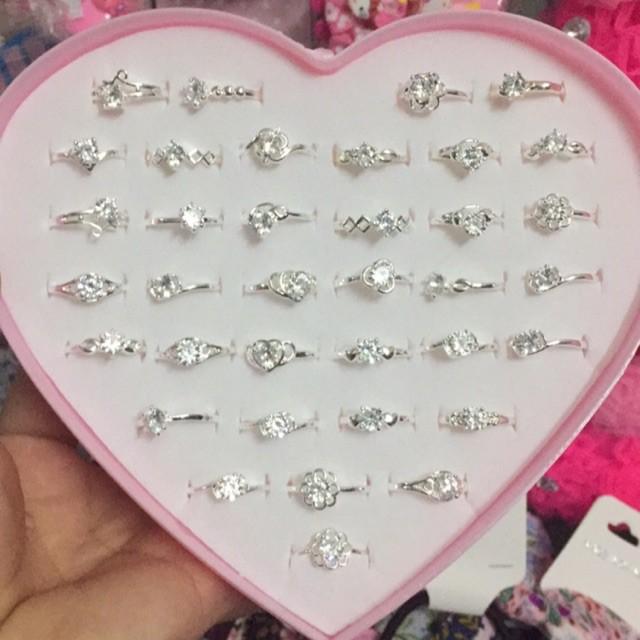 Hộp 36 nhẫn nữ đính đá đẹp lung linh