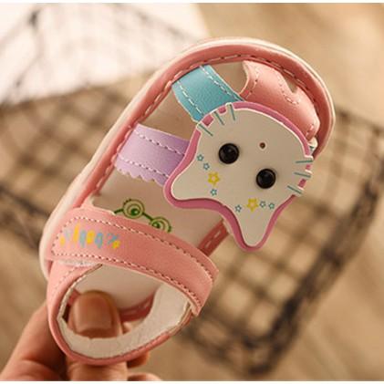 Giày sandal bé gái có gắn kèn kêu giày tập đi bé gái size 15 đến 19 ( có video sản phẩm) - 2798705 , 956352499 , 322_956352499 , 140000 , Giay-sandal-be-gai-co-gan-ken-keu-giay-tap-di-be-gai-size-15-den-19-co-video-san-pham-322_956352499 , shopee.vn , Giày sandal bé gái có gắn kèn kêu giày tập đi bé gái size 15 đến 19 ( có video sản phẩm)