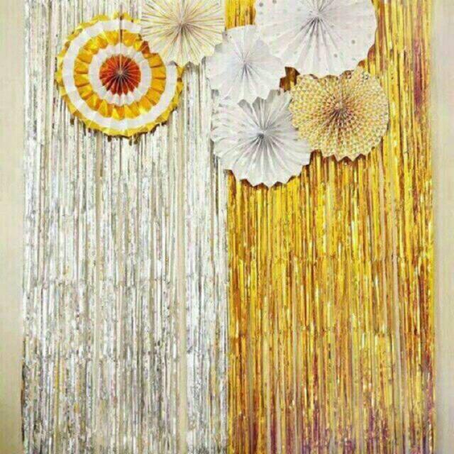 Rèm tua rua trang trí màu vàng/bạc loại đẹp có miếng dán
