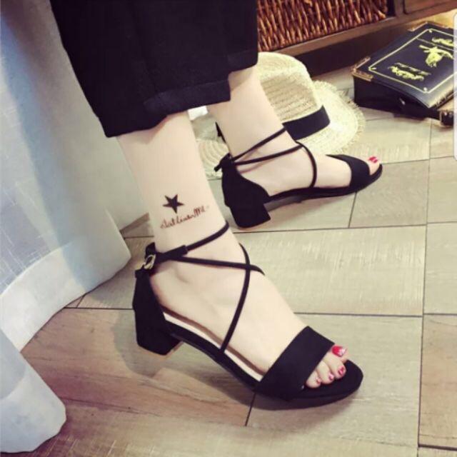 Giày gót dây chéo X